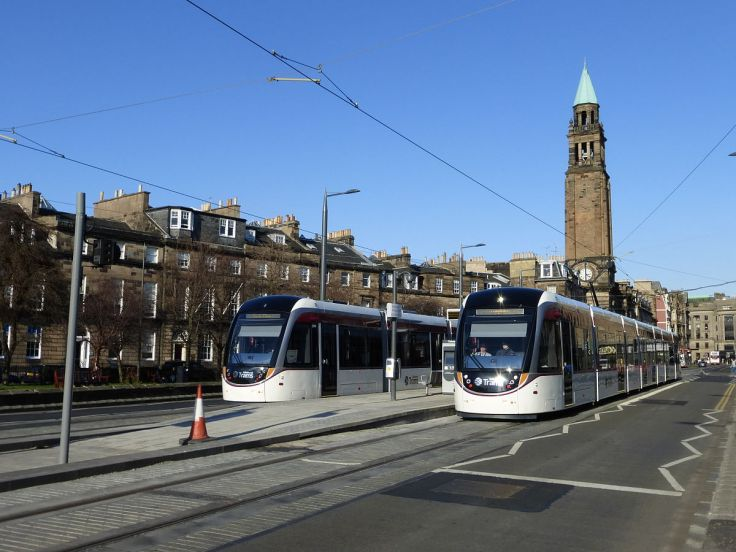 """Edinburgh trams, Shandwick Place"" by Kim Traynor - Own work. Licensed under CC BY-SA 3.0 via Commons."