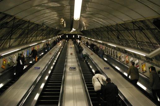 Holborn_Tube_Station_Escalator